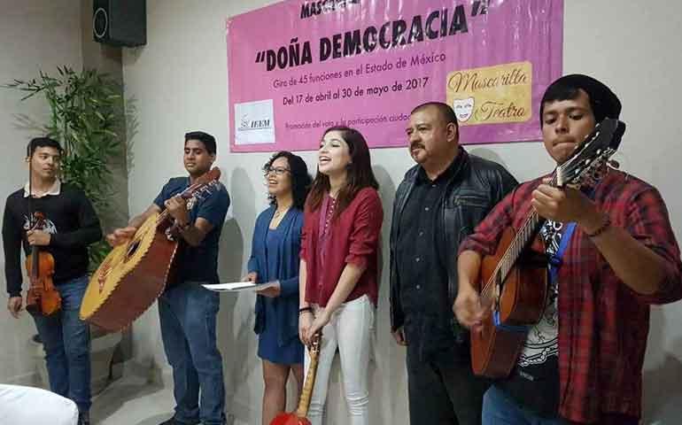 dona-democracia-obra-de-teatro-nayarita-gana-en-el-estado-de-mexico