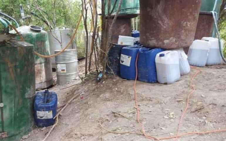 militares-decomisan-laboratorio-clandestino-de-drogas-en-sinaloa