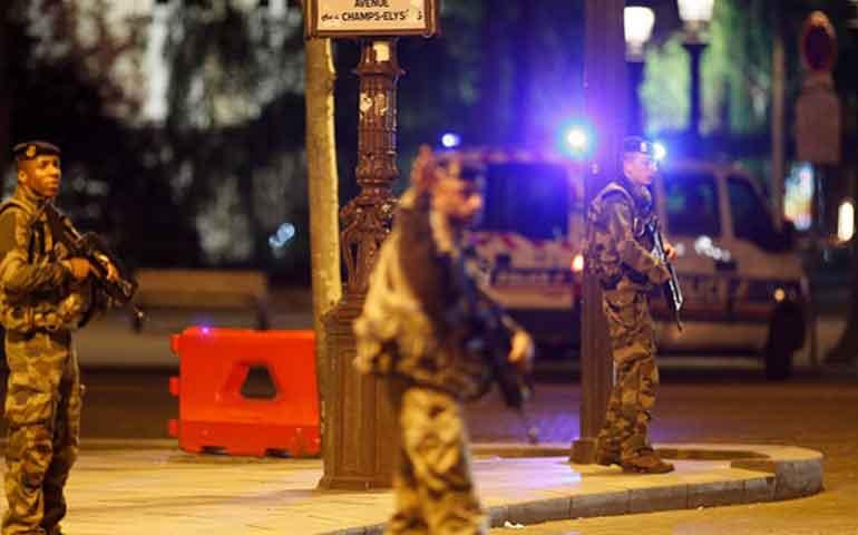 mueren-policia-y-perpetrador-de-tiroteo-en-paris