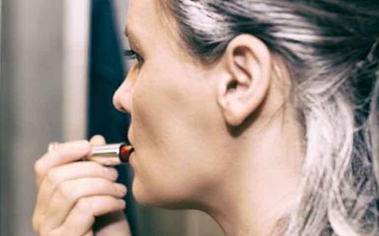5-trucos-de-belleza-para-evitar-las-canas-