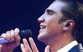 VIDEO--Alejandro-Fernández-vomita-a-medio-concierto-