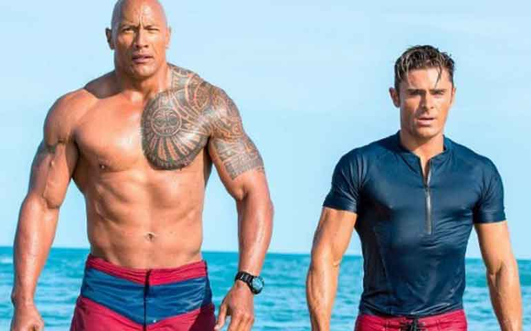 "Zac-Efron-besó-a-""The-Rock""-en-""Baywatch""-le-gustó-"