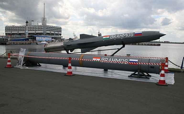 con-este-misil-rusia-es-capaz-de-destruir-portaaviones-estadunidenses