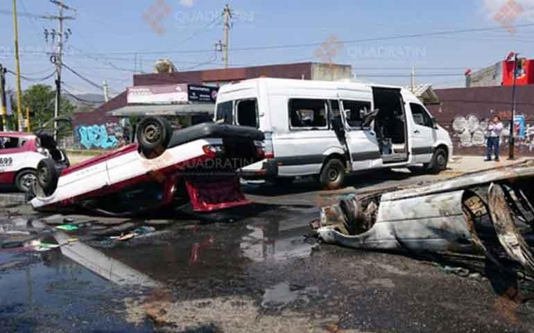 taxistas-se-enfrentan-a-balazos-en-oaxaca-reportan-un-muerto
