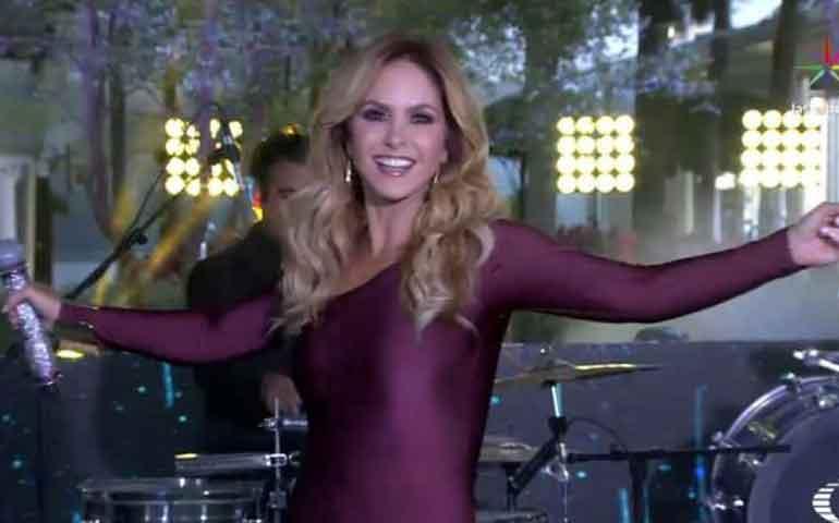 ¿Quiere-dueto-con-Maluma--Lucero-se-convertiría-en-reggaetonera-