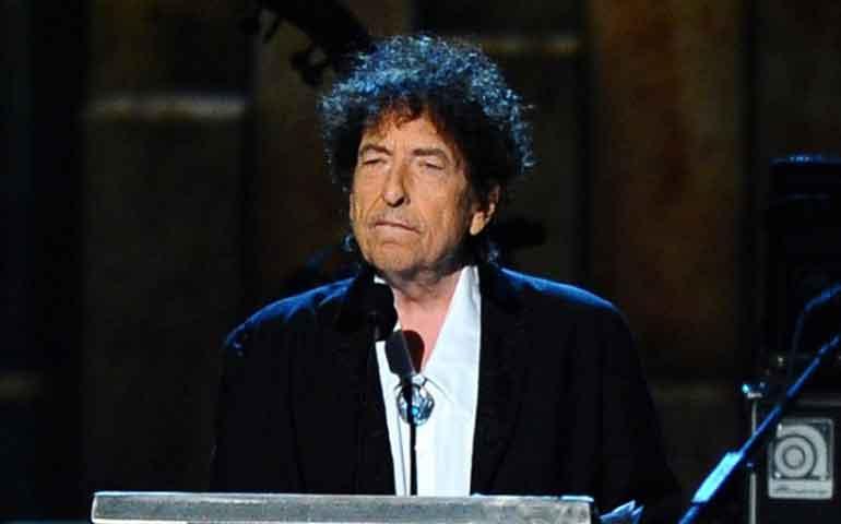 Acusan-a-Bob-Dylan-de-plagio-en-su-discurso-para-el-Nobel-