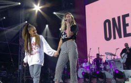 Ariana-Grande-canta-ante-miles-en-Manchester-por-las-víctimas-del-terrorismo-