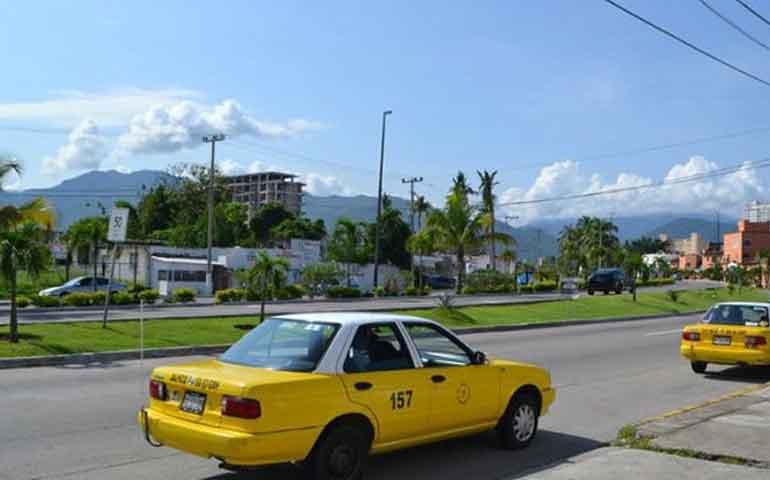 buscan-taxistas-de-puerto-vallarta-frenar-el-servicio-de-uber