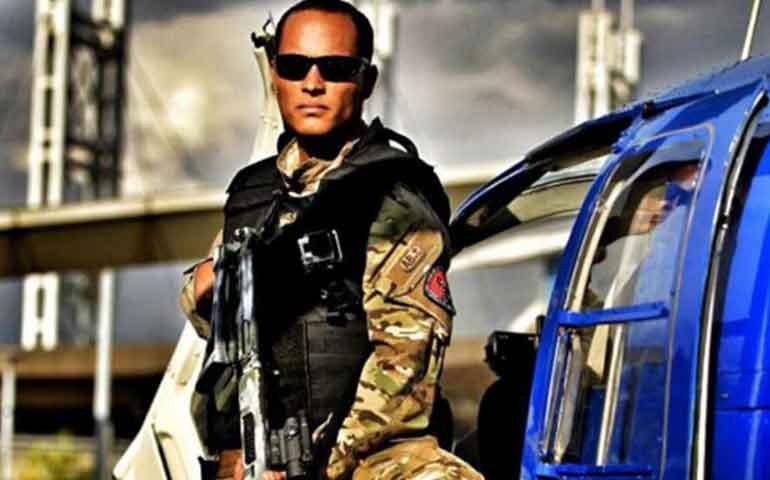 superpolicia-roba-helicoptero-y-le-declara-la-guerra-a-maduro