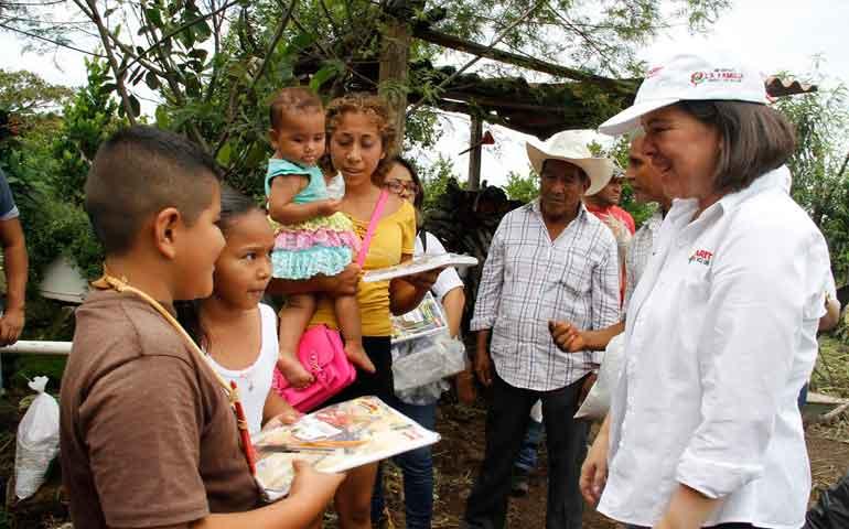 Gobierno-del-Estado-apoya-a-familias-afectadas-en-Mora-