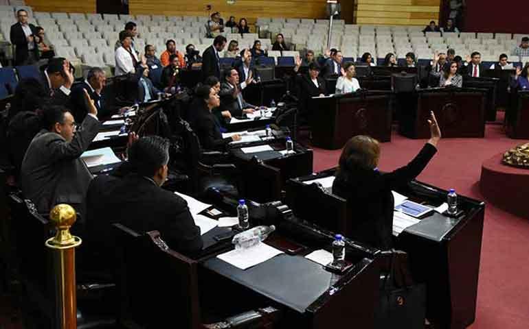 Hidalgo-elimina-el-fuero-al-gobernador-y-a-funcionarios-