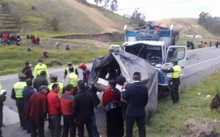 mueren-9-en-accidente-de-trafico-de-zona-andina-en-ecuador