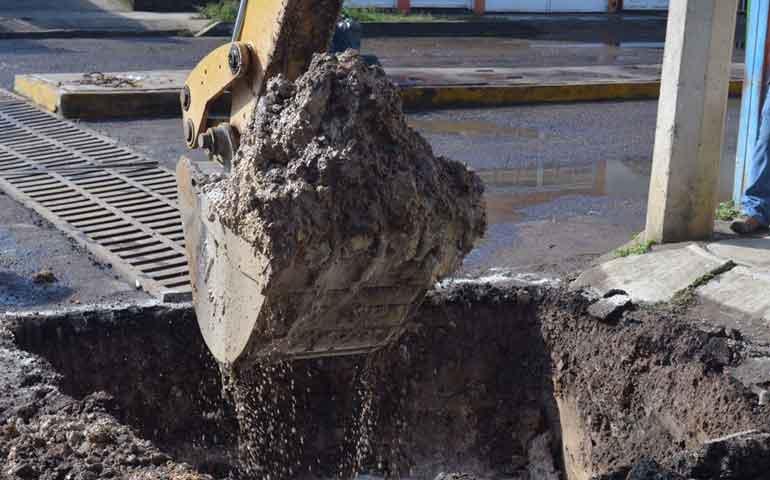trabaja-ayuntamiento-de-tepic-para-evitar-inundaciones-en-valles-del-country
