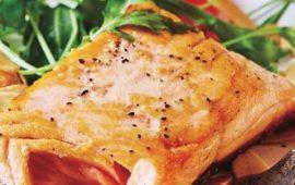 Salmón-asado-con-ensalada-arúgula-y-toronja-