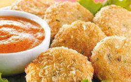 Tortitas-de-pescado-con-salsa--de-chabacano-y-chile-