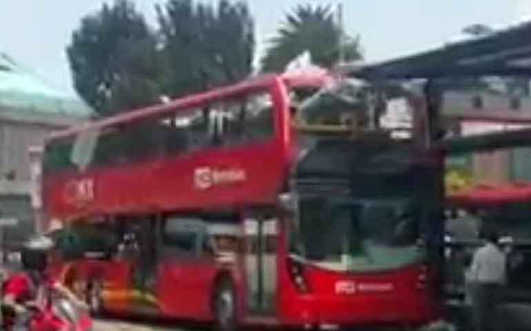 chocan-en-la-primera-prueba-metrobus-de-doble-piso
