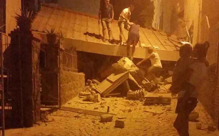 deja-un-muerto-y-varios-heridos-sismo-en-isla-italiana