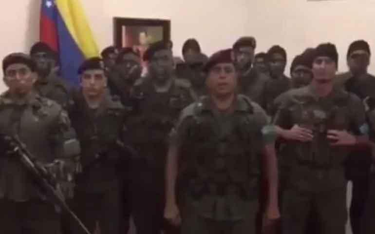 grupo-militar-se-subleva-contra-la-tirania-asesina-de-maduro