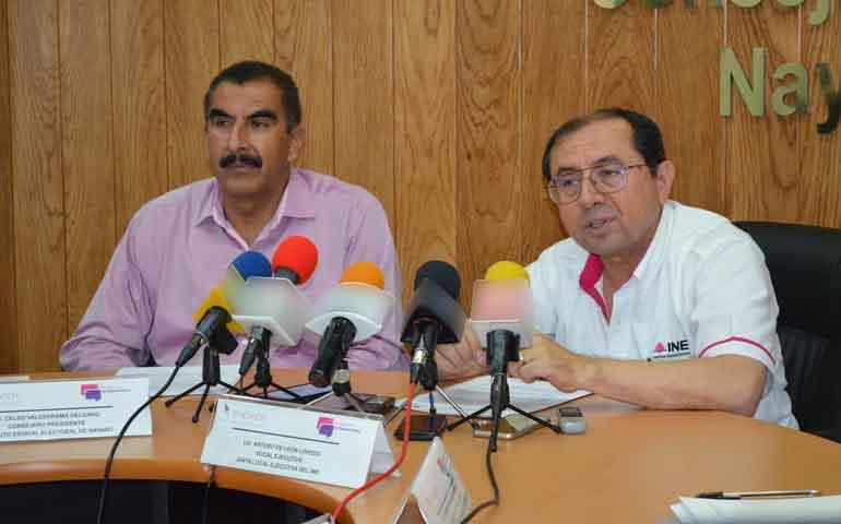iee-e-ine-promueven-dialogo-democratico