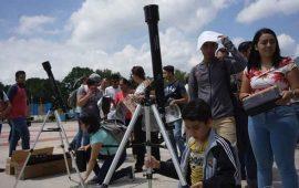 jovenes-de-la-uan-realizaron-taller-para-apreciar-eclipse