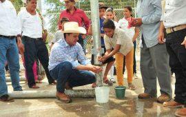 roberto-abastece-de-agua-potable-en-poblados-de-todo-nayarit