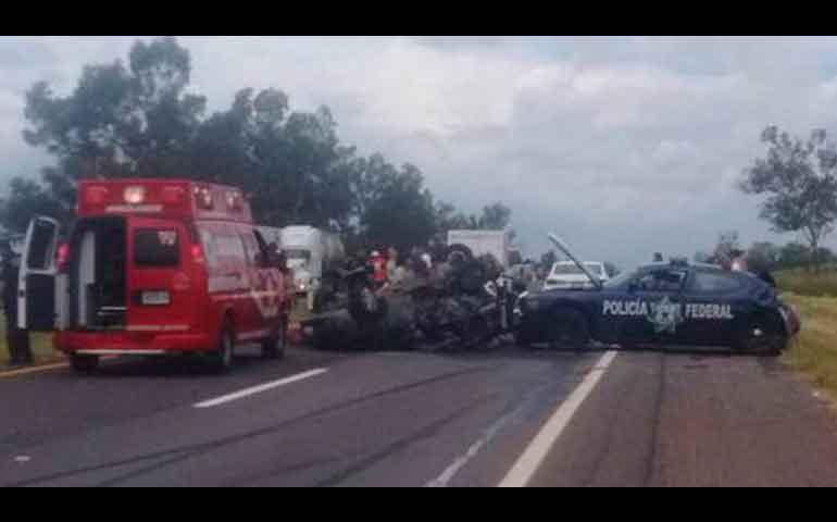 accidente-carretero-en-jalisco-deja-dos-muertos-y-seis-heridos