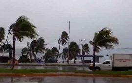 huracan-max-toca-tierra
