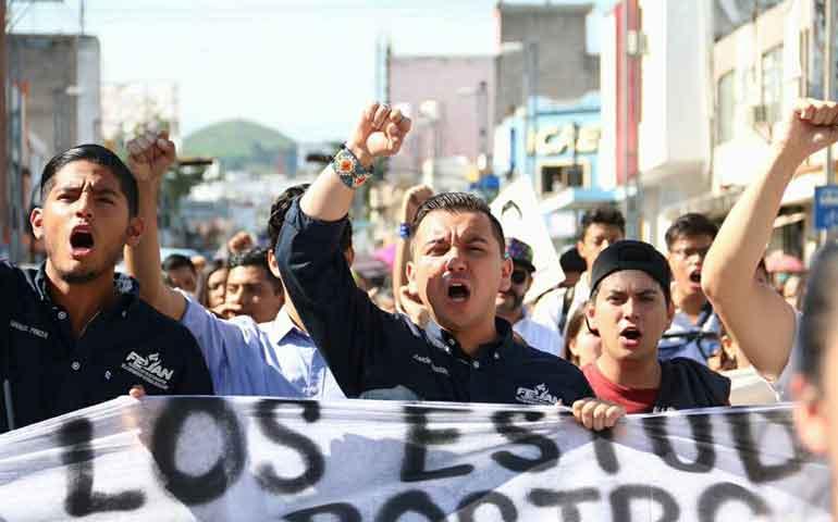 2-de-octubre-no-se-olvida-gritan-estudiantes-en-tepic