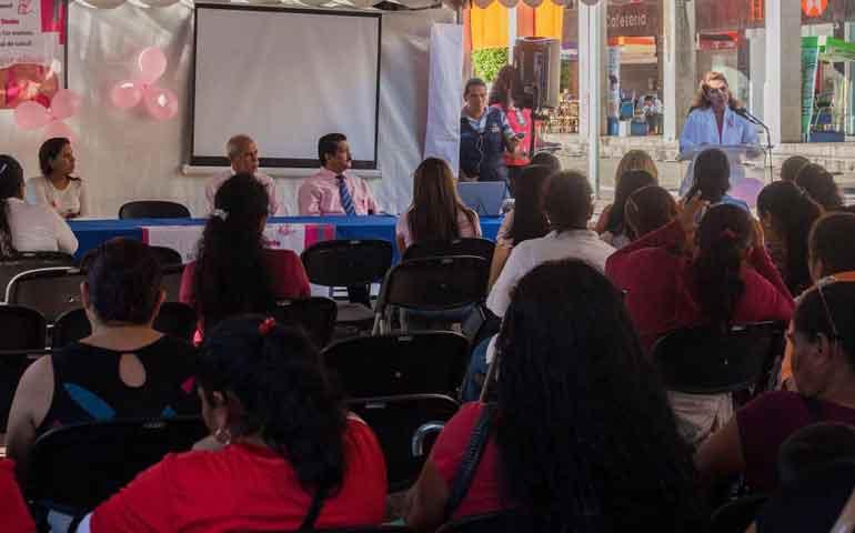 ayuntamiento-de-tepic-realiza-jornada-de-deteccion-de-cancer-de-mama
