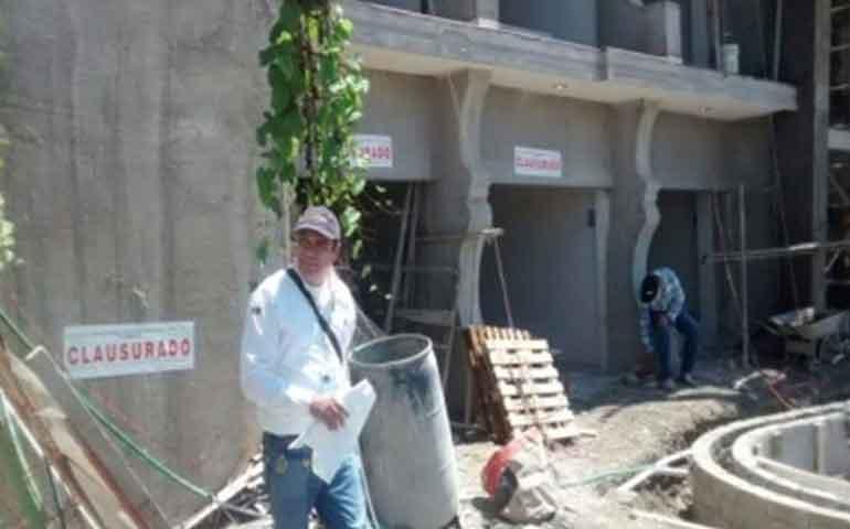 clausuran-construccion-de-hoteles-en-compostela