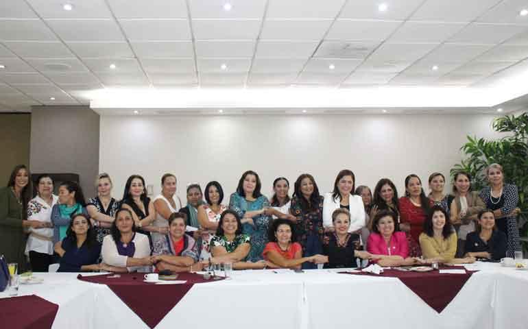 el-grupo-mujeres-en-voz-alta-sigue-en-pie-de-lucha