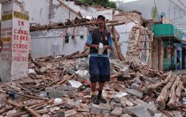 pagan-mil-185-pesos-por-retirar-escombros-de-casas-en-oaxaca