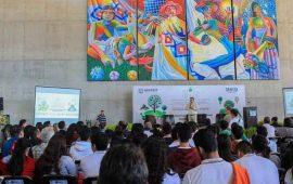 castellon-fonseca-dicto-conferencia-magistral-en-las-jeegma