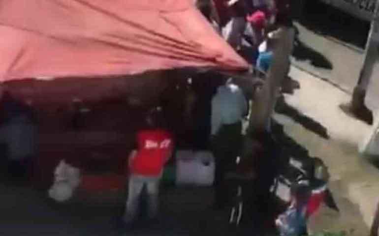 mueren-tres-personas-durante-balacera-en-tianguis-de-ecatepec