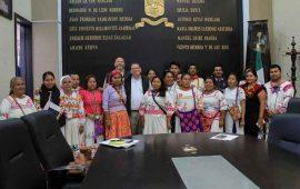 artesanos-aceptan-ubicarse-en-la-plaza-de-mexico-y-colosio