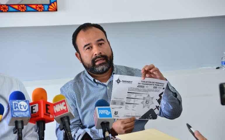 detecta-transito-del-estado-al-menos-50-permisos-de-taxis-irregulares-en-nayarit