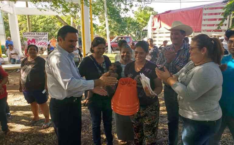 mujeres-nayaritas-reciben-componente-el-campo-en-nuestras-manos-armando-zepeda