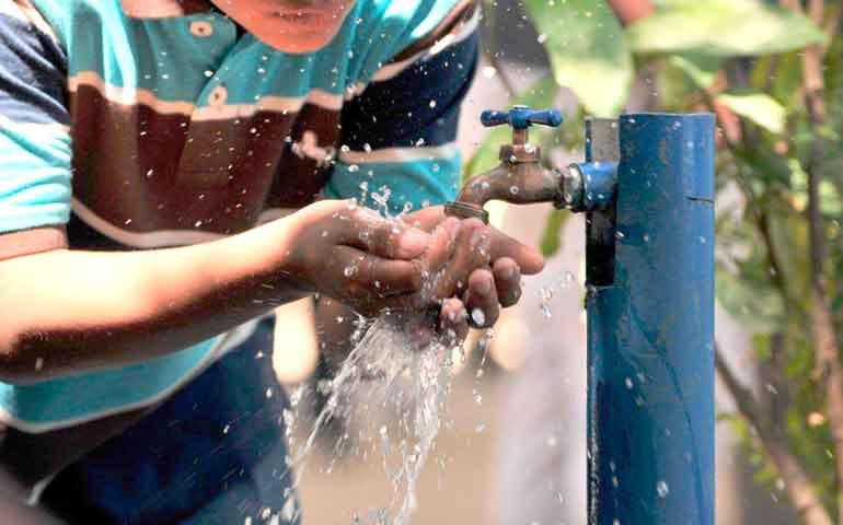 vigente-el-descuento-por-fin-de-ano-en-el-pago-de-agua-potable-en-la-capital