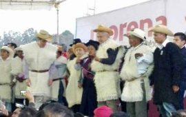 amlo-pide-a-comunidad-indigena-no-vender-su-voto