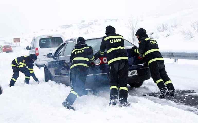 caos-en-espana-por-nevadas-miles-quedan-atrapados-en-autopista