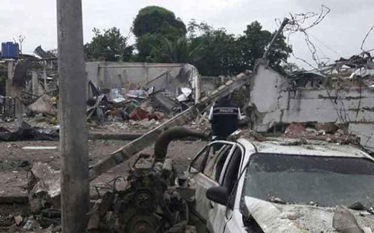 coche-bomba-destruye-cuartel-policial-en-ecuador
