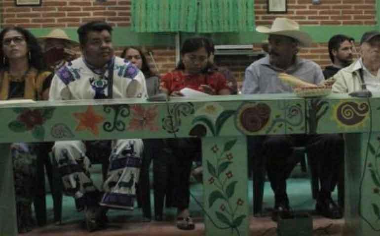 indigenas-exigen-a-ine-cumplir-su-representacion-en-congreso-de-la-union