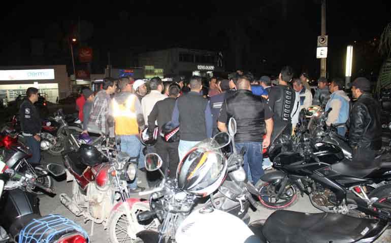 motociclistas-de-tepic-se-manifiestan-ante-operativos-de-regularizacion