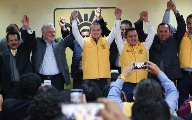 ricardo-anaya-se-registra-como-precandidato-presidencial-del-prd