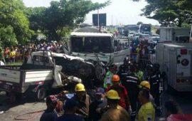 al-menos-11-muertos-en-accidente-de-transito-en-ecuador