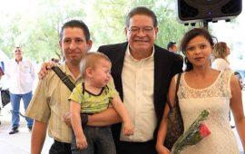 ayuntamiento-de-tepic-festejo-a-los-enamorados-con-un-matrimonio-colectivo