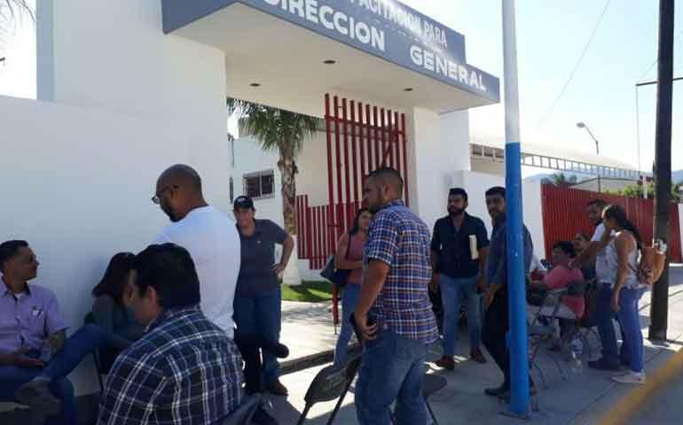 despiden-injustificadamente-a-37-trabajadores-del-icaten-en-tepic
