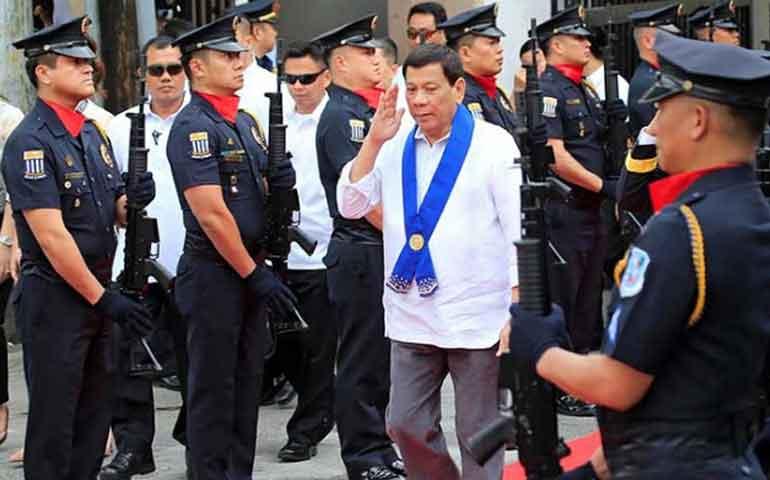 presidente-filipino-pide-disparar-en-la-vagina-a-mujeres-terroristas