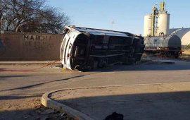 tren-embiste-a-autobus-de-personal-hay-tres-muertos-y-27-heridos
