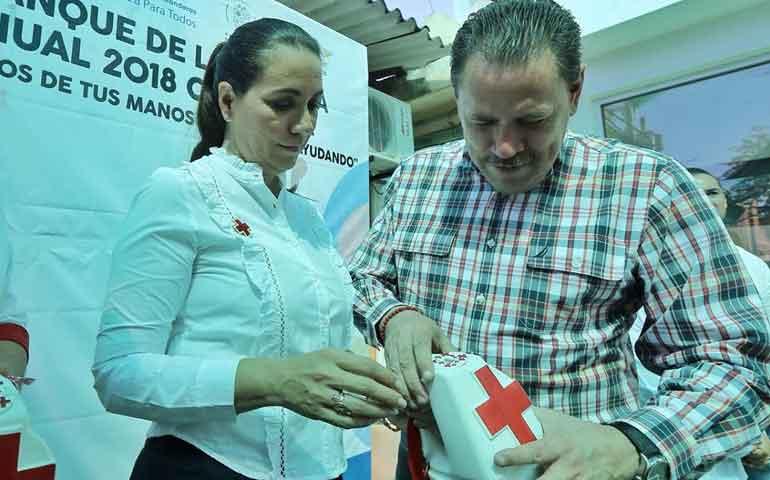 donativo-historico-para-reactivar-la-cruz-roja-en-bahia-de-banderas-jaime-cuevas